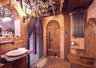 To mieszkanie czy średniowieczny zamek? W Warszawie znaleźliśmy jeden z najbardziej niezwykłych apartamentów na świecie [ZDJĘCIA]