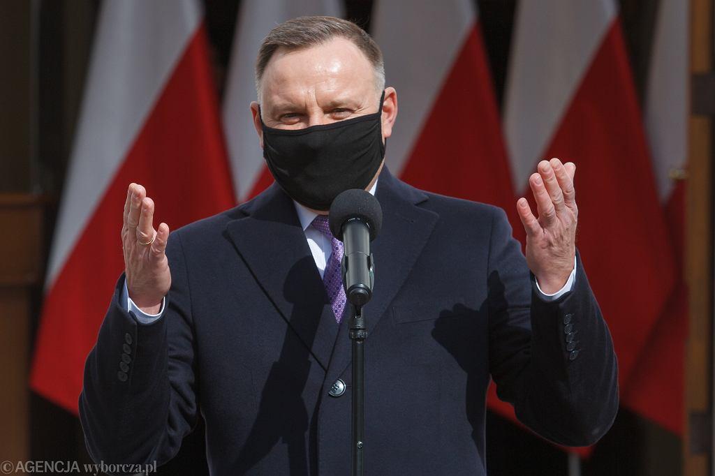 Sondaż CBOS. Prezydent Andrzej Duda liderem rankingu zaufania wśród polityków
