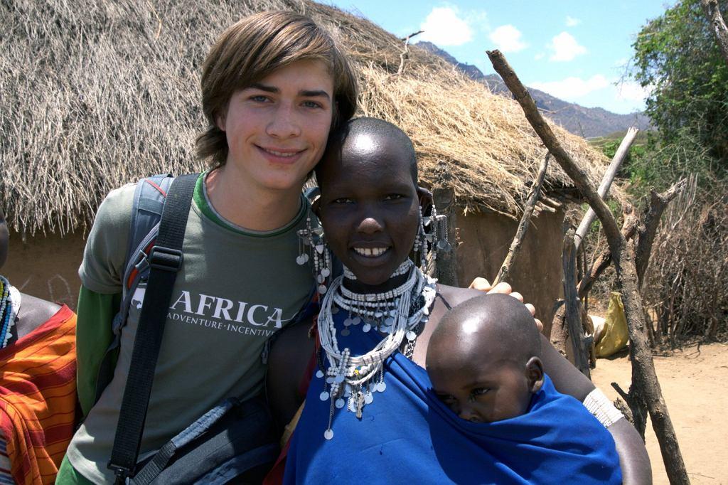 Jasiek Mela podczas wyprawy do Afryki w 2008 roku.