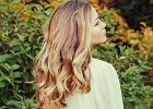 Jak zrobić fale na włosach? Te sposoby zagwarantują ci modną i trwałą fryzurę!
