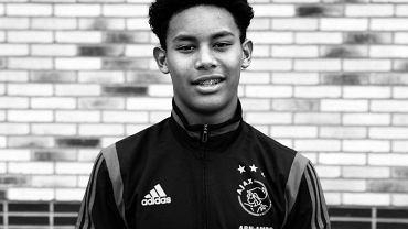 Noah Gesser, 16-letni piłkarz Ajaksu Amsterdam, który zginął w wypadku samochodowym. Źródło: Twitter