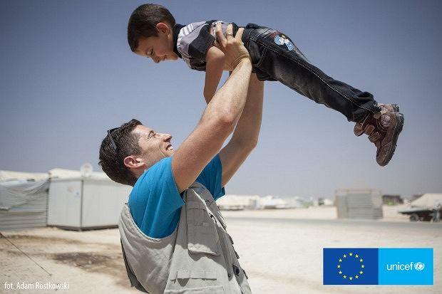 Robert Lewandowski w obozie uchodźców w Jordanii