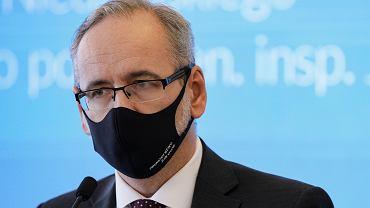 Minister zdrowia w rządzie PiS Adam Niedzielski podczas konferencji prasowej. Warszawa, 6 października 2020