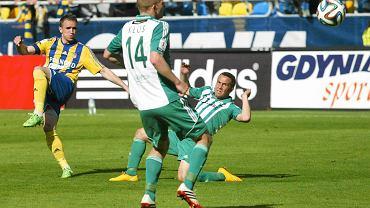 Arka Gdynia - Olimpia Grudziądz 0:2. Na zdjęciu z lewej Marcin Warcholak