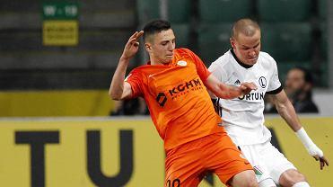 Adam Hlousek i Bartłomiej Slisz podczas meczu o mistrzostwo Ekstraklasy Legia Warszawa - Zagłębie Lubin .