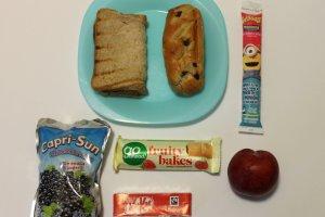 Fotografował zawartość śniadaniówek dzieci z klasy córki. Co rodzice tam pakują? Straszne rzeczy