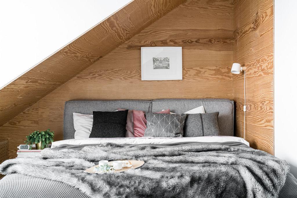 Dwupoziomowe mieszkanie z naturą w tle