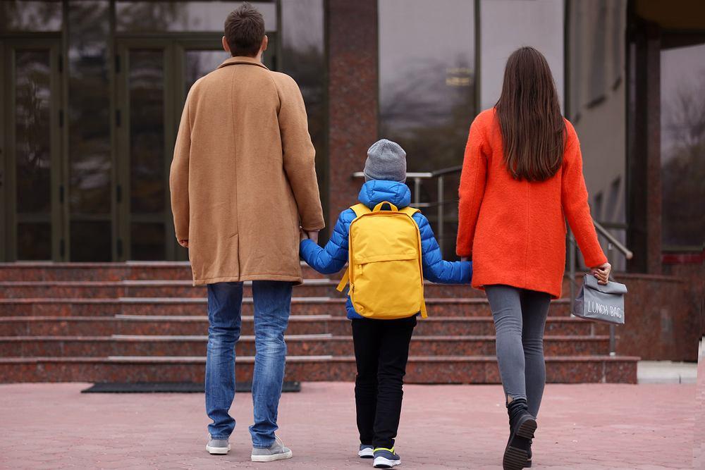 Rodzice, dzieci, wskaźnik dzietności (zdjęcie ilustracyjne)