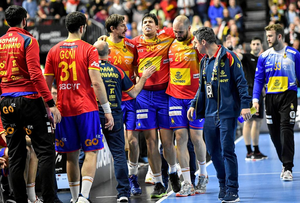 Daniel Dujszebajew kontuzjowany podczas meczu Hiszpania - Niemcy