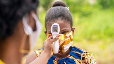 W Kenii i innych krajach Afryki wskaźnik zakażeń COVID-19 i śmiertelności jest niższy niż w innych częściach świata.