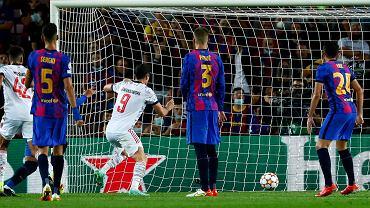 Spain Champions League Soccer; Robert Lewandowski strzela w meczu Bayern Monachium - FC Barcelona (2:0), Liga Mistrzów