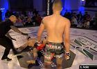 MMA. Czech w brutalny sposób złamał kość w walce z Polakiem [WIDEO]