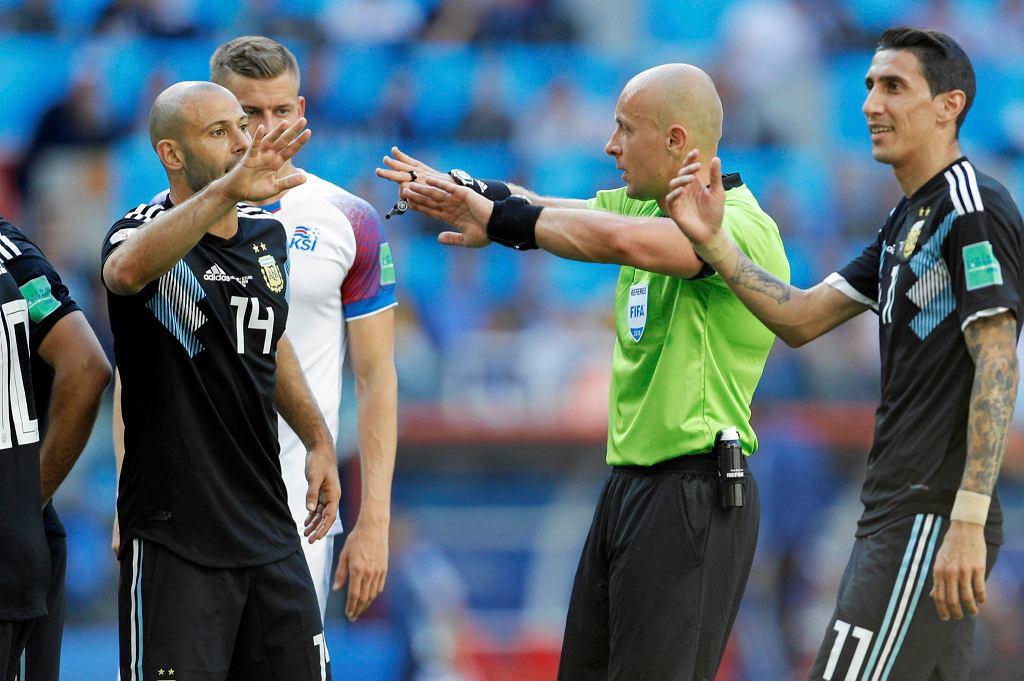 Szymon Marciniak w meczu Argentyny z Islandią