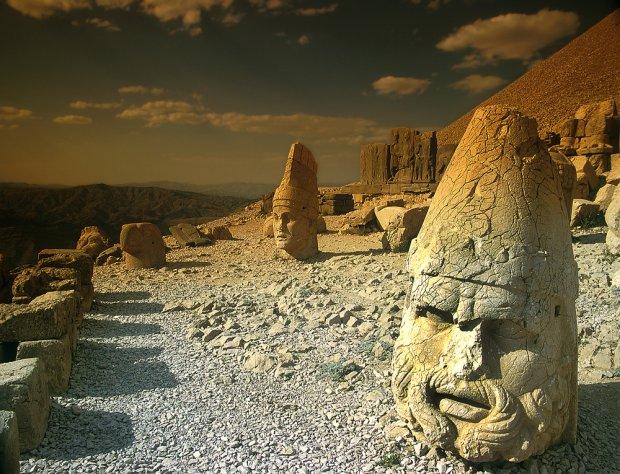 Turcja, posągi na górze Nemrut