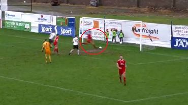 Kuriozalny gol w meczu Portadown Football Club