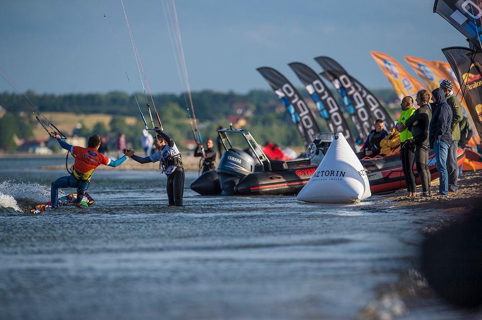Zdjęcie numer 1 w galerii - Mistrzostwa Polski Ford Kite Cup 10 - 13 lipca w Łebie