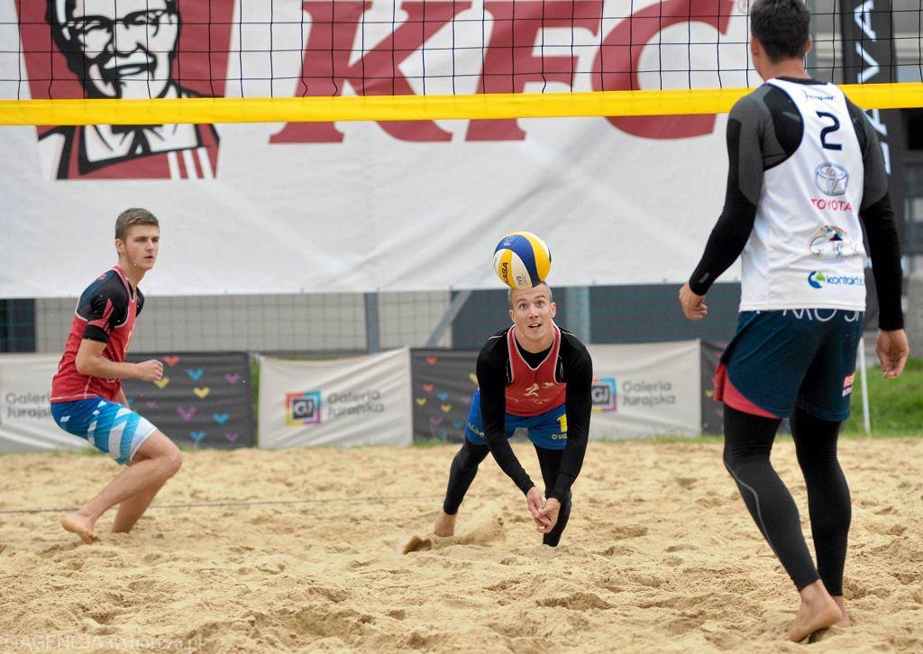 Mistrzostwa Śląska w siatkówce plażowej na boiskach przy Galerii Jurajskiej
