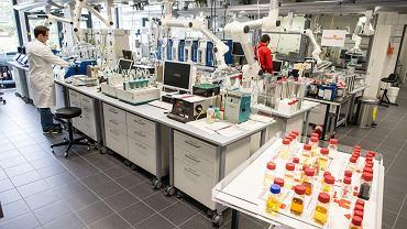Z wizytą w laboratorium Shella produkującym paliwa dla F1
