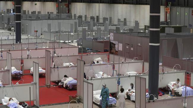 Hiszpania przedłuża stan wyjątkowy. W ciągu ostatniej doby zmarło tam ponad 800 osób