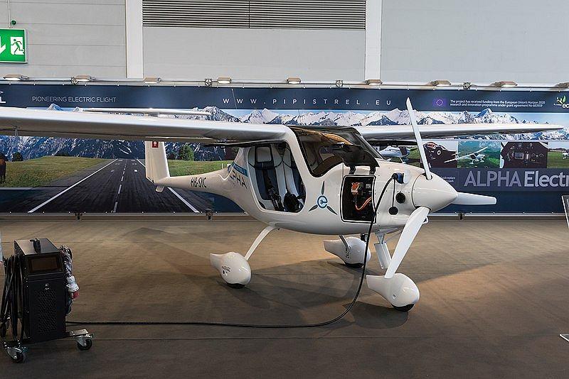 Pierwszy produkowany seryjnie samolot elektryczny poleci z Wrocławia do Warszawy