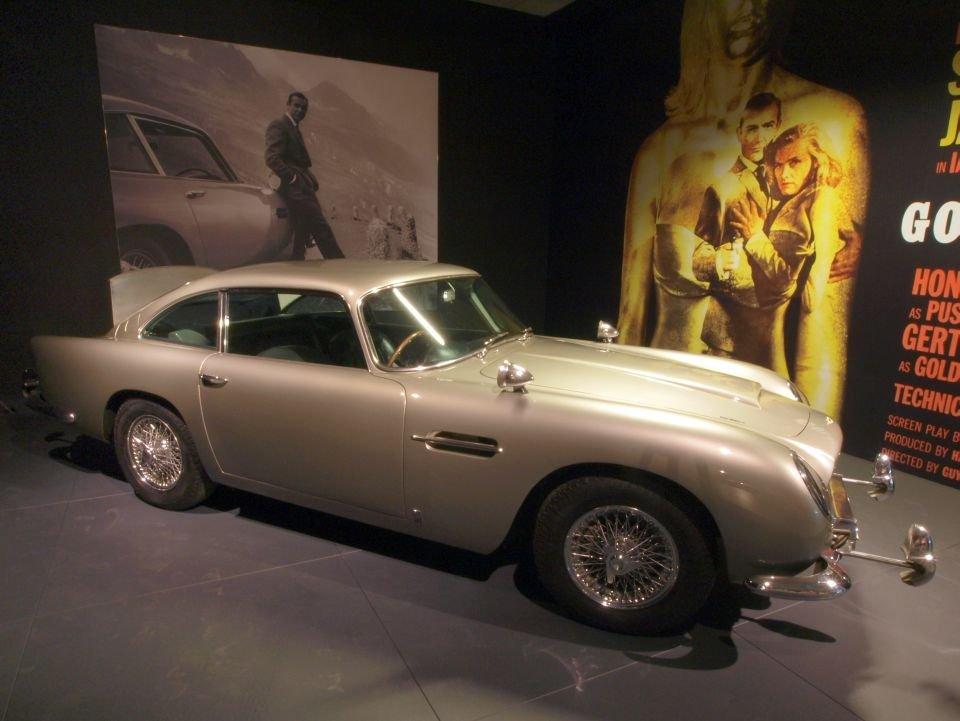 Aston Martin DB5, należący do Jamesa Bonda