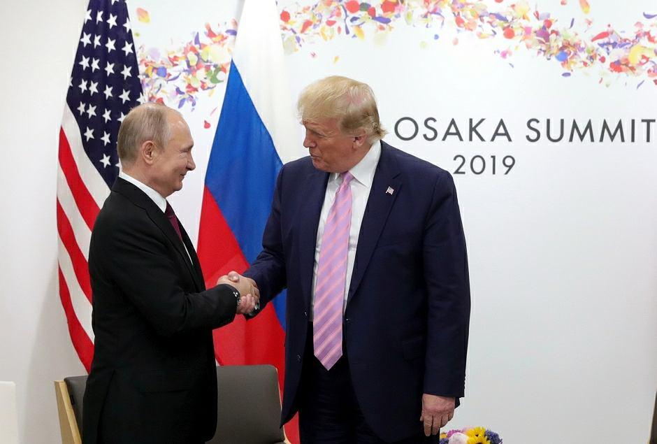 Władimir Putin i Donald Trump podczas szczytu G20 w Osace