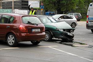 Wypadek samochodowy: Co zrobić, gdzie zadzwonić?