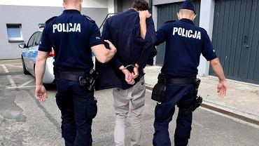 Tychy. 27-latek próbował uprowadzić 13-latkę. Zgłosił się na policję, bo 'męczyło go sumienie'
