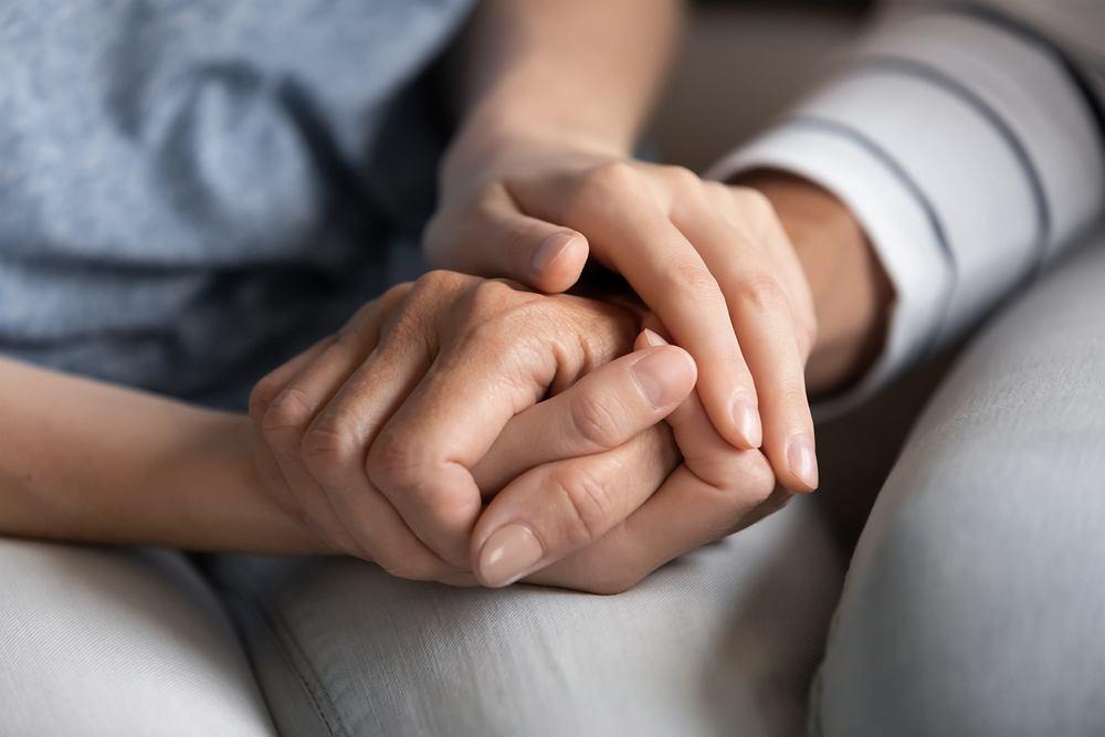 Jak rozmawiać z rodzicami na trudne tematy, by obydwie strony czuły się dobrze?