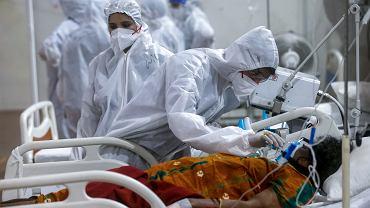 'Czarny grzyb' (mukormykoza) atakuje pacjentów covidowych w Indiach. Na zdjęciu: szpitaj w Bombaju, Indie, 6 maja 2021