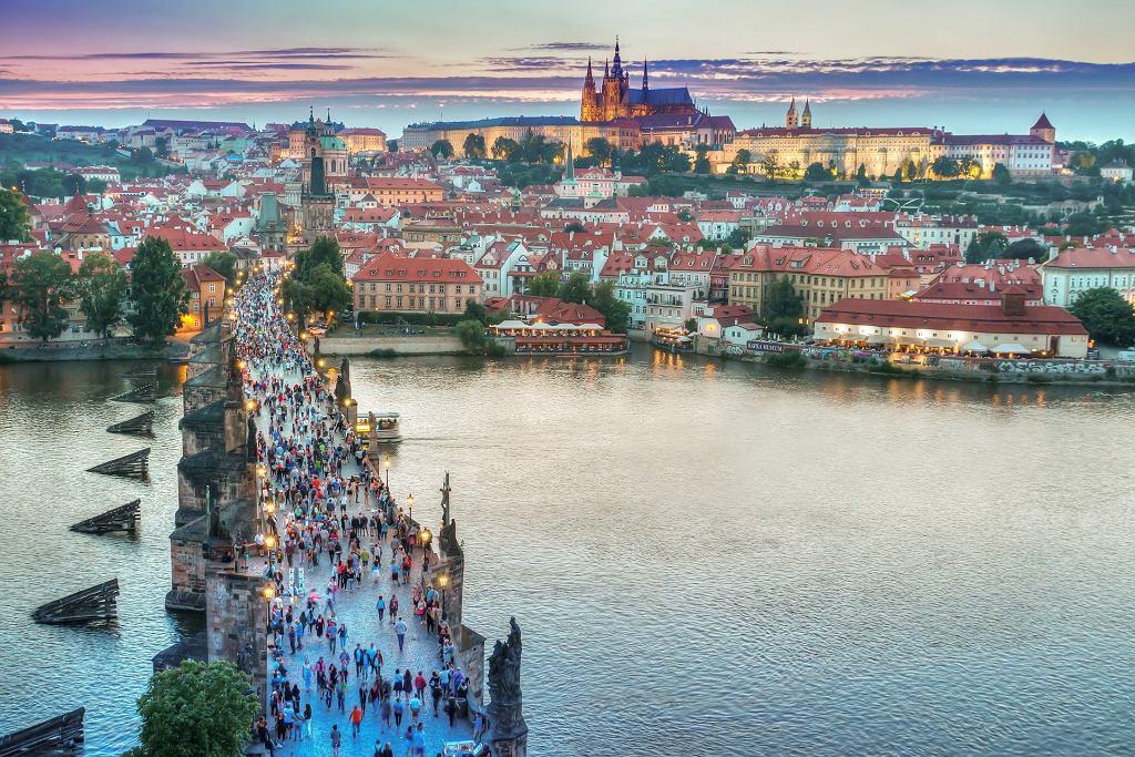 Czechy łagodzą obostrzenia dla podróżujących z Polski