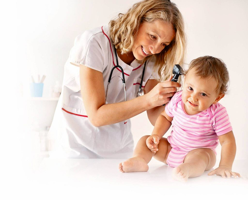 Polska jest jednym z niewielu krajów, w których udało się stworzyć bardzo skuteczny system wykrywania i terapii wad słuchu u niemowląt i małych dzieci.