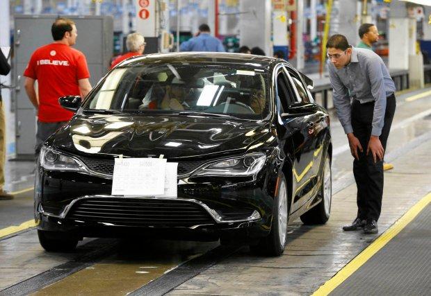 Fiat Chrysler nagle ogłasza zwolnienia w USA