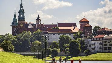 Kraków. Widok z bulwaru na Wawel