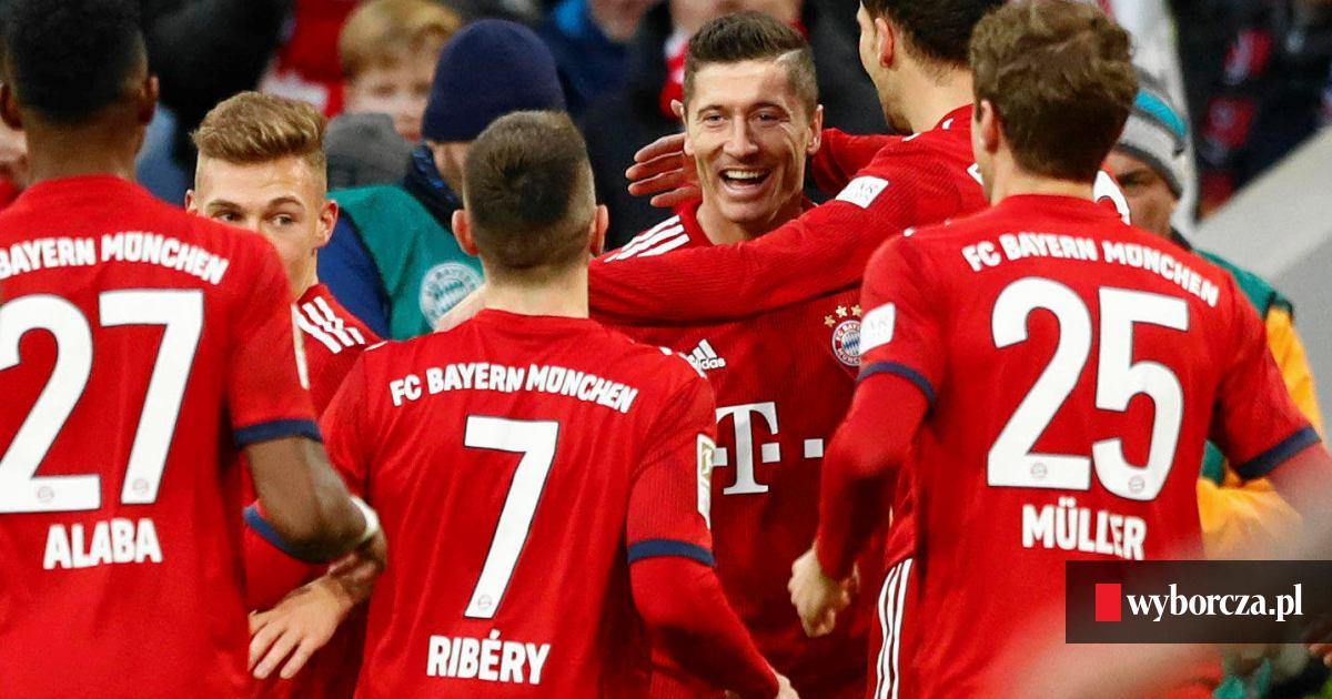 592bd96f7 Robert Lewandowski strzela, Bayern Monachium awansuje