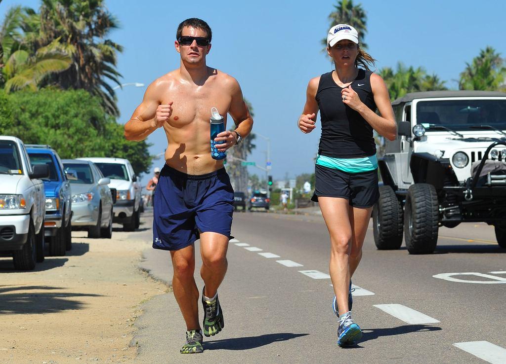 Paluch biegacza to jedna z najczęstszych kontuzji uprawiających bieganie wyczynowe i rekreacyjne