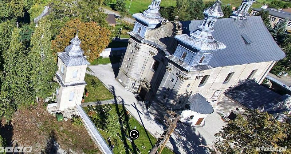 Przy kościele w Minodze uczczono ofiary katastrofy smoleńskiej - takim tupolewem