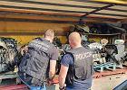 Policja odkryła dziuplę złodziei. Przypadkiem. Szukała zaginionego mercedesa z Włoch