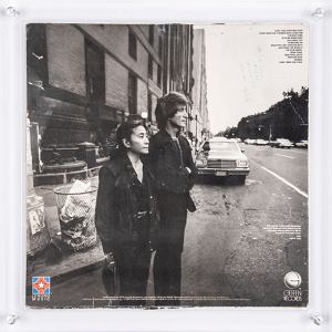 Zanim John Lennon zginął, dał mordercy autograf na płycie. Można ją teraz kupić