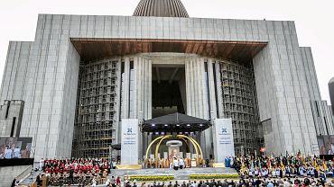 """Świątynia Opatrzności Bożej w """"Lemingowie"""", czyli warszawskim Miasteczku Wilanów"""
