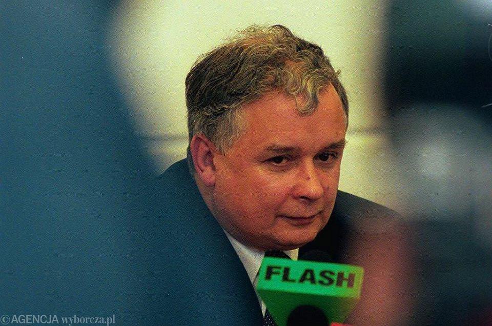 4.08.2000, Warszawa, konferencja prasowa ministra sprawiedliwości Lecha Kaczyńskiego.
