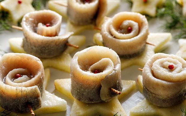 12 wigilijnych potraw, których nie może zabraknąć na stole [Potrawy wigilijne lista]