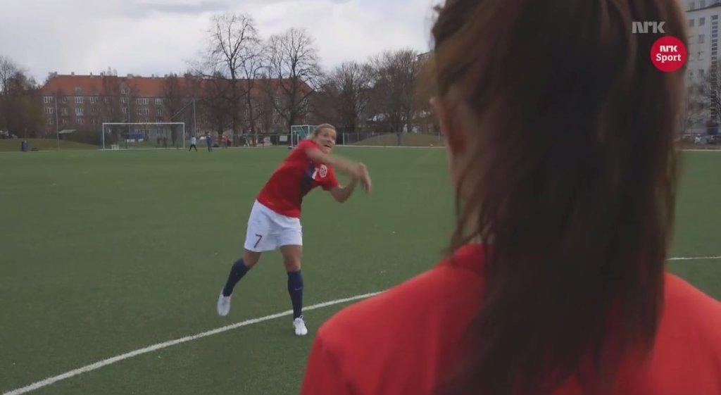 Norweżki kpią ze stereotypów o futbolu kobiecym