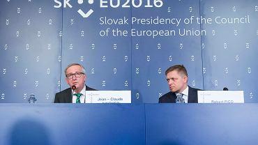 Słowacja przejmuje prezydencję w Unii Europejskiej. Na zdjęciu premier Fico oraz Jean-Claude Juncker