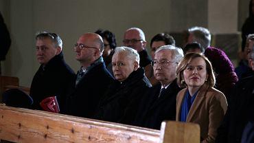 Starachowice . Prezes PIS Jarosław Kaczyński podczas mszy świętej z okazji rocznicy śmierci matki , Jadwigi Kaczyńskiej