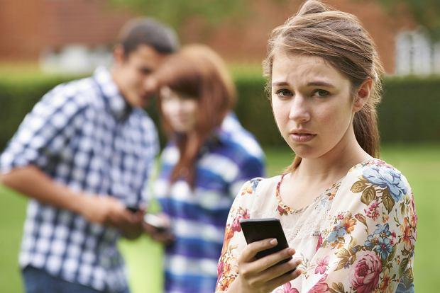 Czy brak najnowszego modelu telefonu rzeczywiście jest powodem do wyśmiewania?