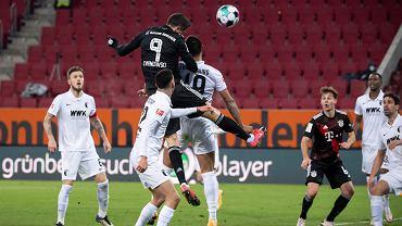 Lewandowski śrubował rekord wszech czasów, ale musiał zejść.