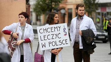 Łódź. Studenci popierają protest lekarzy rezydentów