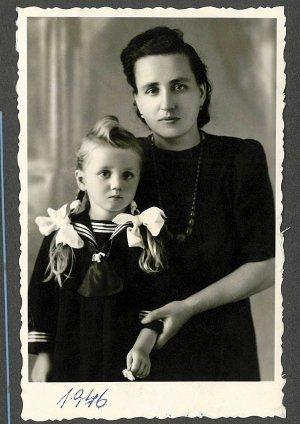 Rozalia, babci Inki (na zdjęciu z mamą Inki Basią)