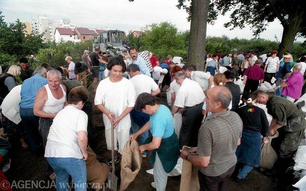 Zdjęcie numer 44 w galerii - 17 lat temu Odra zalała Wrocław. Tak wyglądało miasto [FOTO]